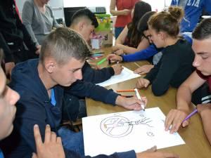 """Elevii de la Centrul Școlar de Educație Incluzivă """"Sf. Andrei"""" din Gura Humorului se implică în lupta contra fumatului"""