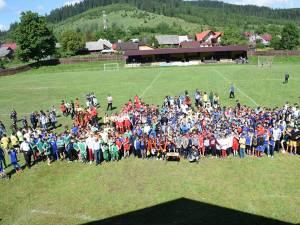 """Peste 1.300 de elevi şi profesori au participat la ediţia din acest an a Festivalului """"Zilele Sportului Școlar"""" de la Putna"""