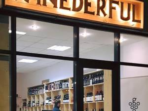 Magazinul Winederful, garnisit cu cele mai bune vinuri şi băuturi derivate