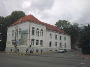 """Premierea elevilor participanţi la proiectul """"Ajutor la teme"""", astăzi, la Biblioteca Bucovinei"""