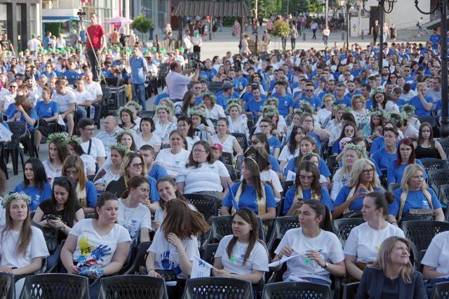 Festivitatea de absolvire a fost organizată chiar în centrul oraşului