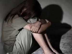 Fată de 12 ani, abuzată sexual de mai mulţi ani. Tatăl şi unchiul, printre cei anchetaţi. Foto: adevarul.ro