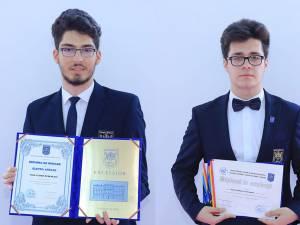Elevul anului - Paul Rebenciuc şi David Turturean. Foto: David Nicolae