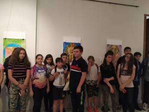 """Expoziţie colectivă de pictură """"Leonardo da Vinci"""" a elevilor Şcolii Nr. 1 din Gura Humorului"""