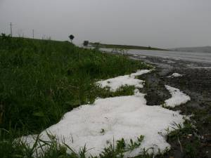 Cod portocaliu de ploi torenţiale, grindină și vijelii în Broșteni, Mălini, Frasin, Stulpicani, Slatina, Ostra și Crucea