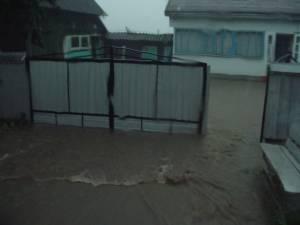 Cod portocaliu de inundații în județul Suceava, luni, până la ora 24.00