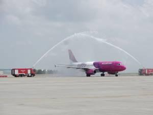 """Avionul care a operat primul zbor Memmingen - Suceava a primit botezul pe Aeroportul """"Ștefan cel Mare"""""""