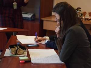 Elevii și profesorii suceveni, chestionați privind respectarea drepturilor și obligațiilor elevilor