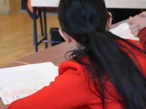 421 de elevi au absentat de la proba de matematică a evaluării naționale