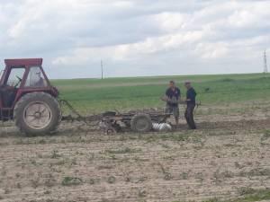 Oamenii lui Ilie Tipa au intrat pe terenurile luate în arendă de investitorul moldovean