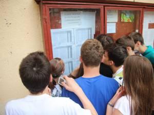 13 elevi din județul Suceava au 10 pe linie la evaluarea națională