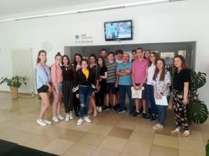 """Vacanţă digitală pentru 16 elevi de la Colegiul """"Nicu Gane"""""""