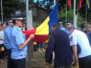 """""""Ceremonia publică de înălţare a Drapelului României"""", în """"Piaţa Tricolorului"""" din centrul Sucevei"""
