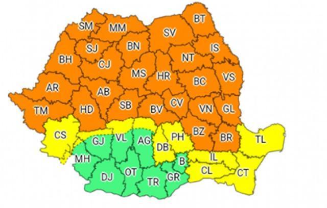 Cod portocaliu de vijelii, grindină şi ploi torenţiale în judeţul Suceava