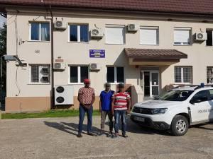 Trei migranţi africani, reţinuţi după ce intraseră ilegal pe teritoriul României pe la Falcău