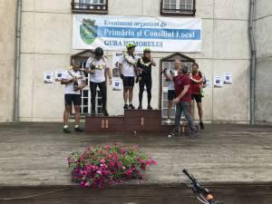 Humorenii plecaţi în turul României pe 13 iunie s-au întors acasă miercuri, 3 iulie, după ce au parcurs pe biciclete o distanţă de 2.272,27 kilometri