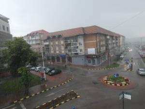 Ploaie cu gheata in centrul Sucevei