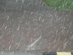 Ploaie cu gheaţă în Suceava