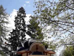 Festivalul internaţional de folclor va avea loc pe aleea principala din parcul municipal din Vatra Dornei