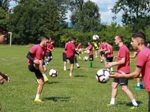 Fotbaliştii Bucovinei se pregătesc săptămâna aceasta în regim de semicantonament Foto: Cristian Plosceac