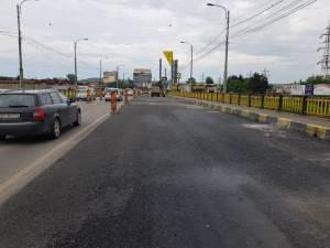 Pe podul de la Bazar, recent reabilitat, nu se mai montează borduri pentru separarea sensurilor de mers