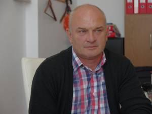 Primarul comunei Ipotești, Sorin Augustin Tofan, și-a pierdut mandatul pentru o situație de incompatibilitate