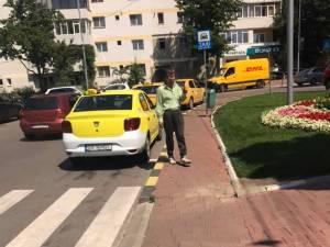 Stația de taxi de la Policlinică, locul în care își așteaptă de obicei clienții taximetristul al cărui comportament ridică semne de întrebare