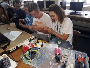 Elevii au putut experimenta la propriu viaţa de student în cadrul unei școli de vară