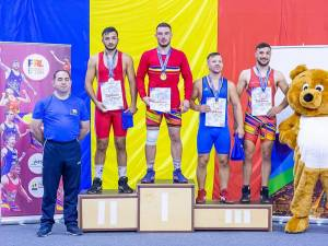 Suceveanul Adrian Agache, campion al Romniei de seniori și antrenorul care l-a descoperit și format până la 18 ani, Valerică Gherasim (stanga)
