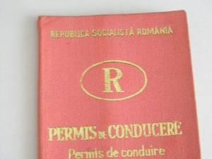 A prezentat la control un permis de conducere cu însemnele Republica Socialistă România