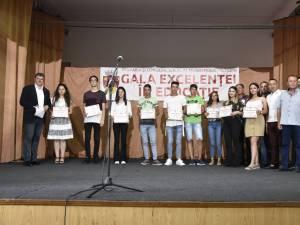 Cătălin Coman i-a premiat pe cei mai buni elevi şi sportivi din municipiu