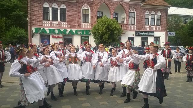 """Festivalul Internaţional """"Dorna, plai de joc şi cântec"""""""