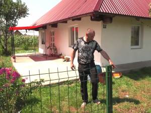 Curtea casei din Vicovu de Sus, în care a avut loc tragedia