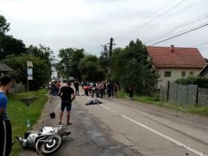 Motoscuterul a fost proiectat pe carosabil in urma impactului