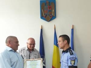 Ioan Grigoraş, fost lucrător al Poliţiei Transporturi Feroviare Câmpulung Moldovenesc, premiat de conducerea IPJ Suceava