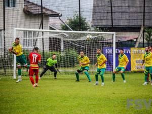 Foresta s-a impus clar în amicalul cu FC II Botoşani, disputat la Pojorâta. Foto Costi Solovastru