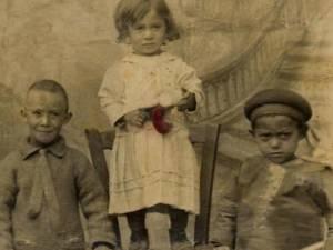 Orfanii fântânarului din Dănila