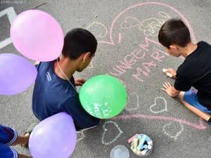 """Se caută voluntari în programul educaţional """"Ajungem Mari"""", dedicat copiilor din centre de plasament"""