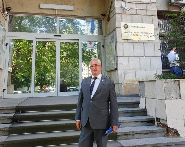 Primarul Sucevei a discutat la MDRAP despre licitaţia celor 15 autobuze electrice