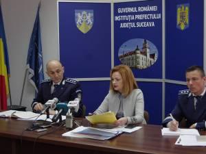 Șeful IPJ, Adrian Buga, prefectul Mirela Adomnicăi și purtătorul de cuvant al IPJ, Ionuț Iepureanu