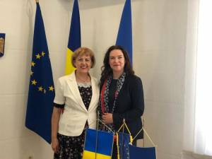 Delegația românească, însoțită de conducerea Teatrului Dramatic Olga Kobileanska Cernăuți, a fost primită la Consulatul General al României la Cernăuți