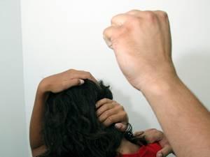 Violenţa în familie pare un fenomen în creştere