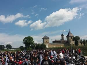 Tradiționala paradă a motocicliştilor, de sâmbătă, s-a încheiat la Mănăstirea Dragomirna