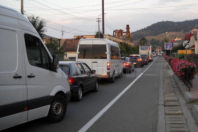 Trafic aproape blocat pe traseul Frasin – Păltinoasa