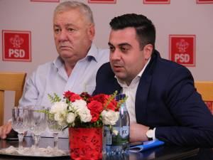 Președintele PSD Suceava, senatorul Ioan Stan, și ministrul Transporturilor, Răzvan Cuc