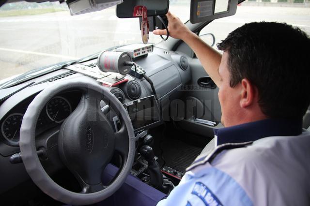 Tânărul a fost surprins de radar conducând mașina cu 71 km/h în localitate
