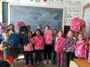 Ajutați 300 de copii nevoiași care au nevoie de ghiozdane şi rechizite în noul an şcolar!