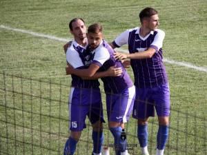 Fălticenenii speră să aibă cât mai multe motive de bucurie în noua ediţie de campionat. Foto: Cronica de Fălticeni
