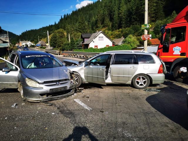 Din zece persoane implicate in accident, patru au avut nevoie de ingrijiri medicale