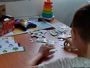 Activități recreative pentru copii cu tulburări de spectru autist, la Centrul Școlar Suceava